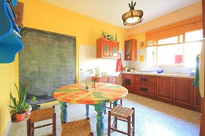 boho-hostel-kitchen
