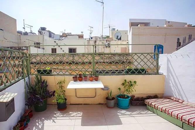 grannys-inn-hostel-rooftop