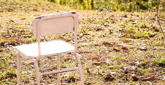 さみしい椅子