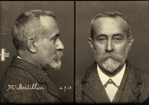 Alphonso Bertillon'un çektiği kendi sabıka fotoğrafı