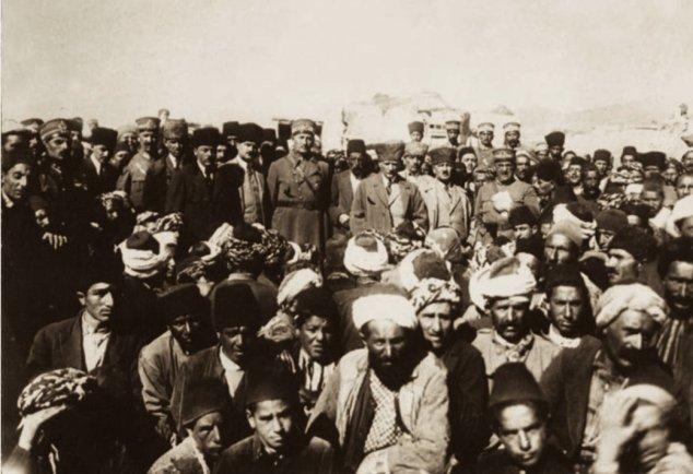 1924 Erzurum Depreminden Sonra Atatürk'ün Erzurum Ziyaretinden Bir Fotoğraf