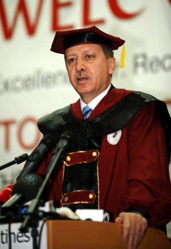 cumhurbaşkanı erdoğan kosova üniversitesi fahri doktora