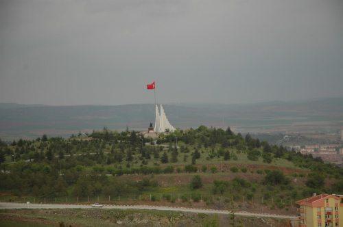 sakarya şehitleri ve zafer anıtı