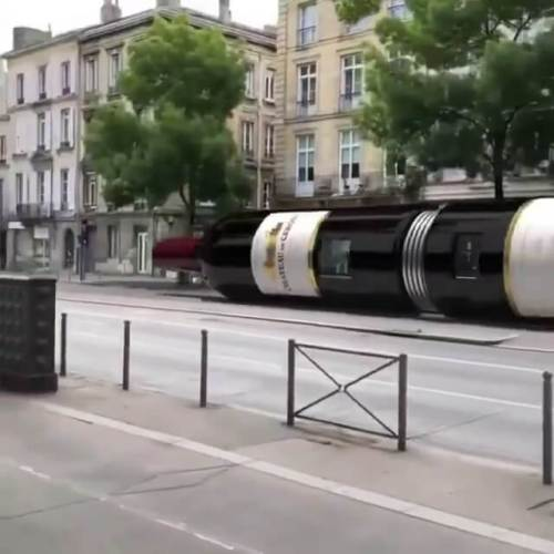 şarap şişesi şeklinde tren