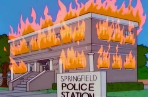 simpsons polis merkezi yangını
