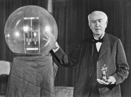 Edison'un Ampülü Keşfettiği İddiası Doğru Değildir