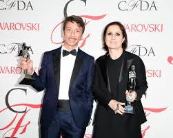 I Direttori Creativi di Valentino premiati dell'International Award del CFDA