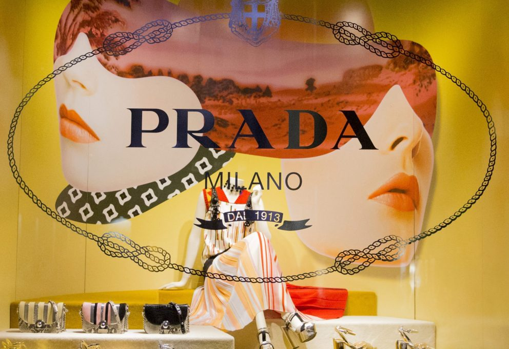 Prada e il nuovo Shoes Corner presso Saks Fifth Avenue, New York City