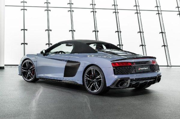 Profilo posteriore della nuova Audi R8 Performance