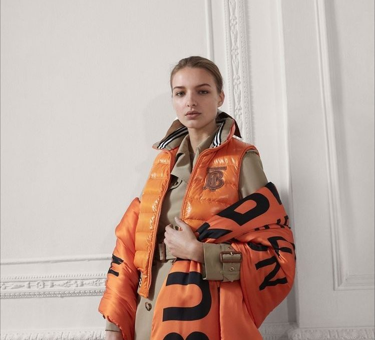 OUTFIT BURBERRY PRE-FALL 2019/2020