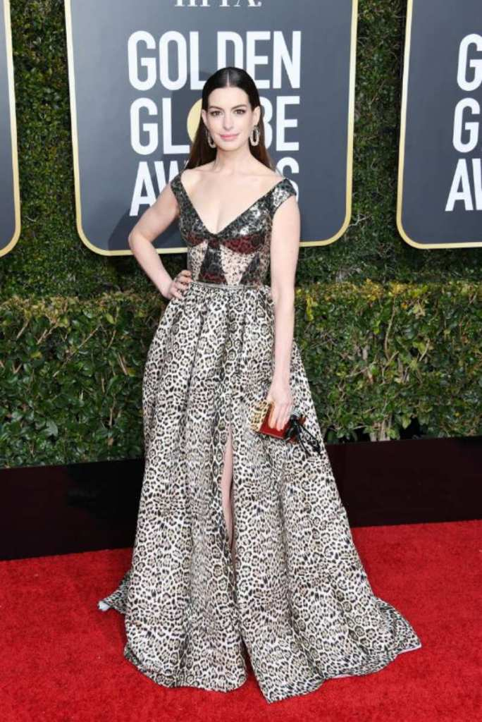 Golden Globe 2019, i look del red carpert. Anna Hathaway