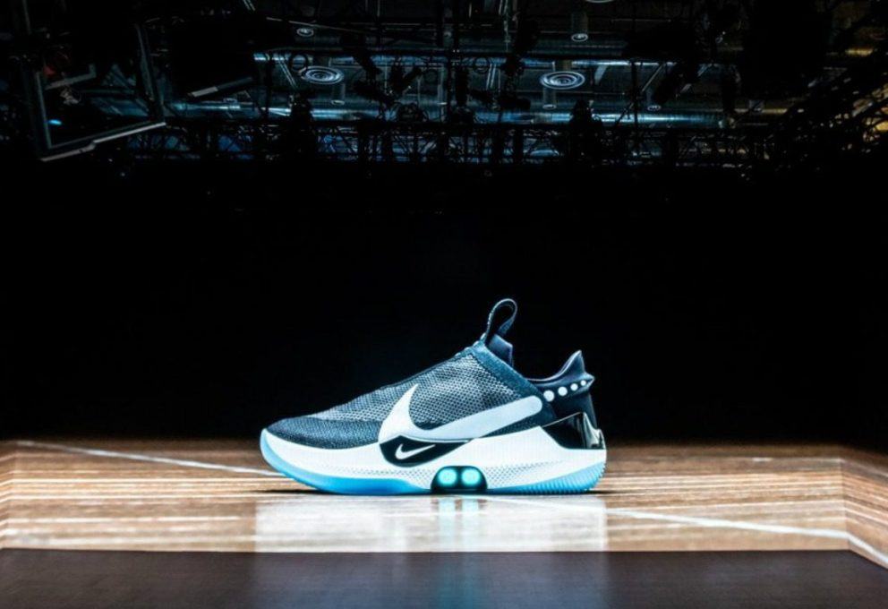 NIKE ADAPT BB, LE SNEAKERS REGOLATE DA SMART