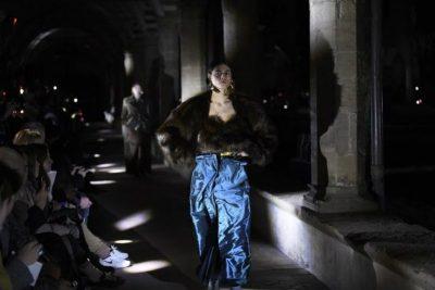 Y/Project - l'avanguardia fa ritorno a Firenze. Top pelliccia donna