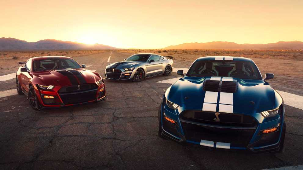 Ford Mustang Shelby GT500 in tre colorazioni