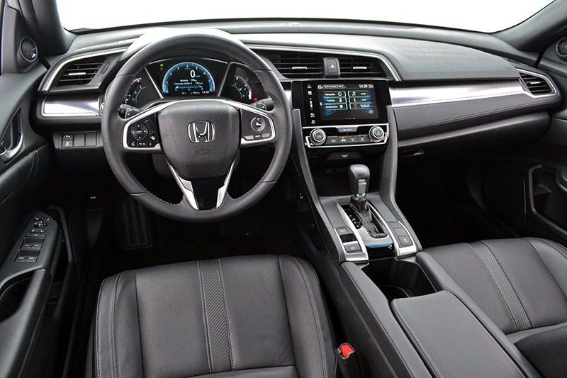 Honda Civic 1.6 i-DTEC interni in pelle