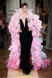 Boldini e la moda, Giorgio Armani si racconta. Abito velluto nero Armani Privé
