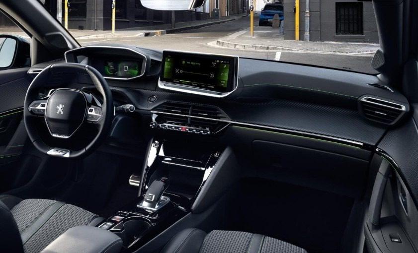Nuova Peugeot 208, con interni i-CockPit