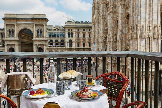 La magnifica vista sul Duomo dalla terrazza di Giacomo Arengario