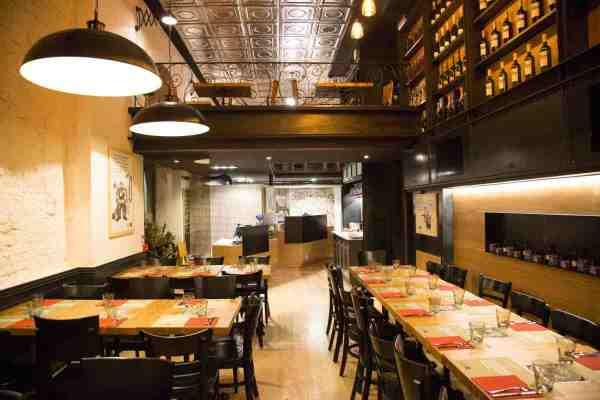RISTORANTI EASY, GIOVANI E MOLTO, MOLTO BUONI. A MILANO Zero_ quattro piacevoli ristoranti che raccontano un Territorio attraverso i sapori delle pizze