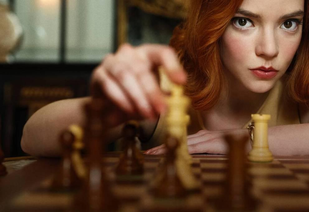 """La serie Netflix """"La regina degli scacchi"""": il genio di una donna"""