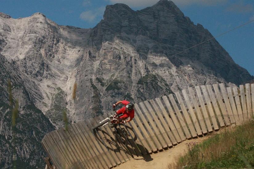 Bikepark Leogang - Hier ist für jeden was dabei, auf den neun verschiedenen Strecken finden Anfänger und Profis die richtige Herausforderung!
