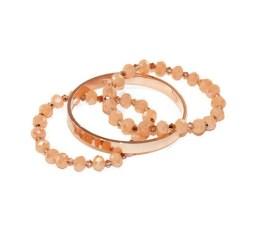 MamaBella AD0003 Peach Rose RVS Set is een set voor dames bestaande uit twee identieke armbanden gemaakt van peche kleurige facet parels gecombineerd met kleinere rosé glasparels, alsook een rosékleurige roestvrije armband