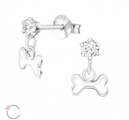 MamaBella OK0013 Dog Bone Swarovski Crystal oorbel is een kinder oorbel, gemaakt van sterling silver of 925 zilver. Het is een oorbel bedeltje met een hondenbeen aan het hangertje afgewerkt met Swarovski steen