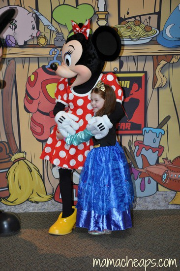 Disney Chase Visa Cardholder Private Character Meet And