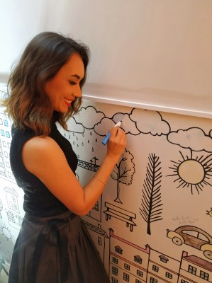 Karin - Tecido de parede para colorir - Bella Janela