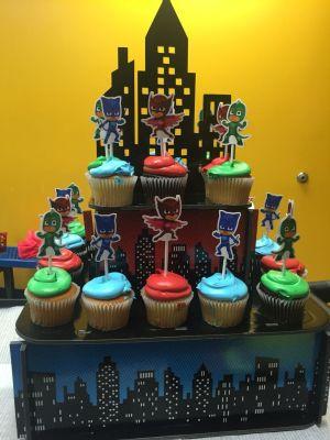 PJ Mask Aniversario cupcakes