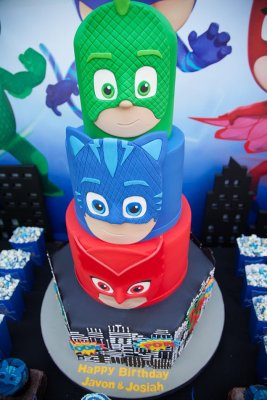 PJ-Masks-Superhero-Birthday-Party-via-Karas-Party-Ideas-KarasPartyIdeas.com49