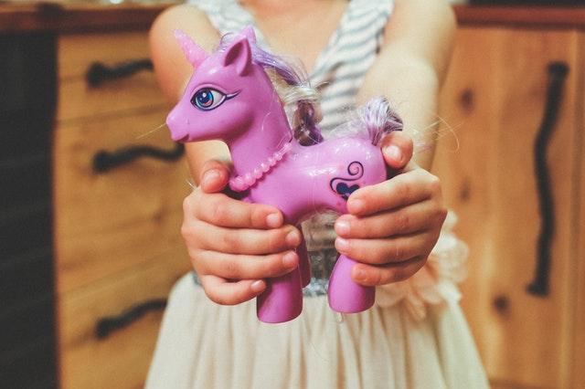 Hands-purple-child-holding Pexels
