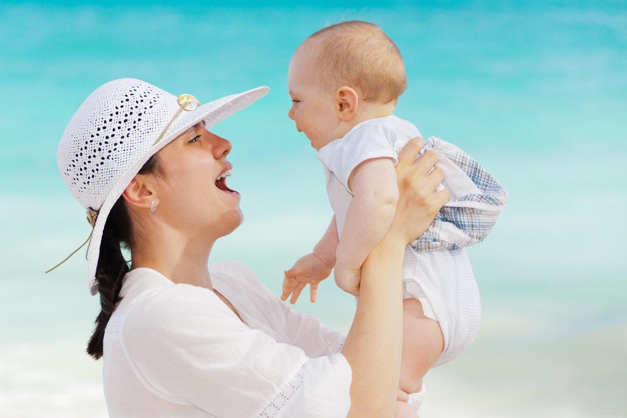 Como Fazer O Bebê Sorrir - Mãe E Filho