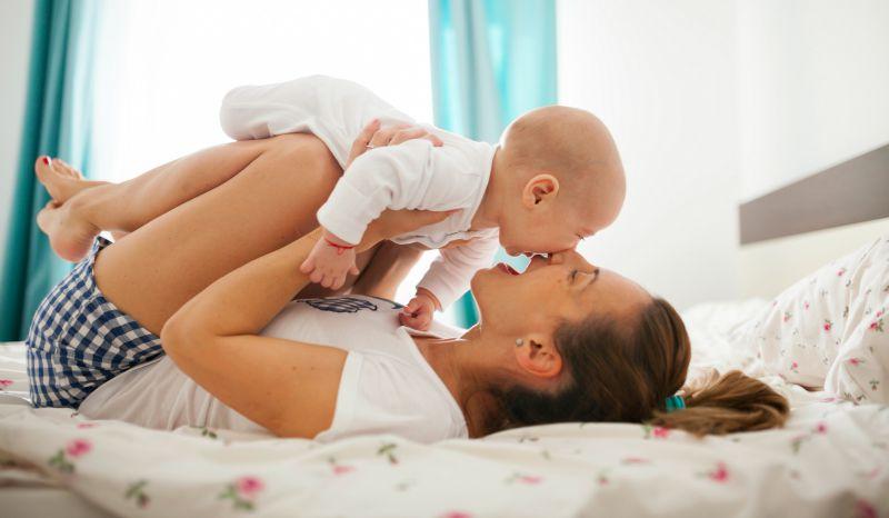 Maternidade Se Aprende (mae Com Bebe Sorrindo)