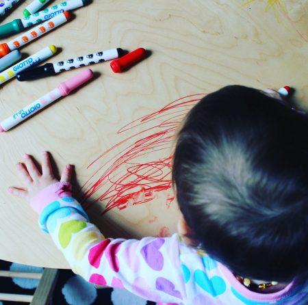 mamá extraterrestre arte bebés procesual creatividad