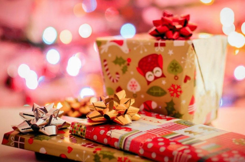 5 Cute Christmas Gift Ideas for Your Teenage Daughter