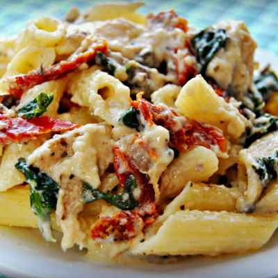 Gluten-Free Penne Pasta Alfredo with Chicken, Mushrooms, Spinach and Sun Dried Tomatoes