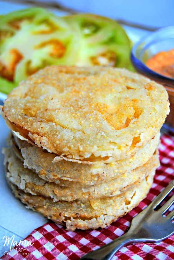 gluten-free southern fried green tomatoes | mamaknowsglutenfree.com