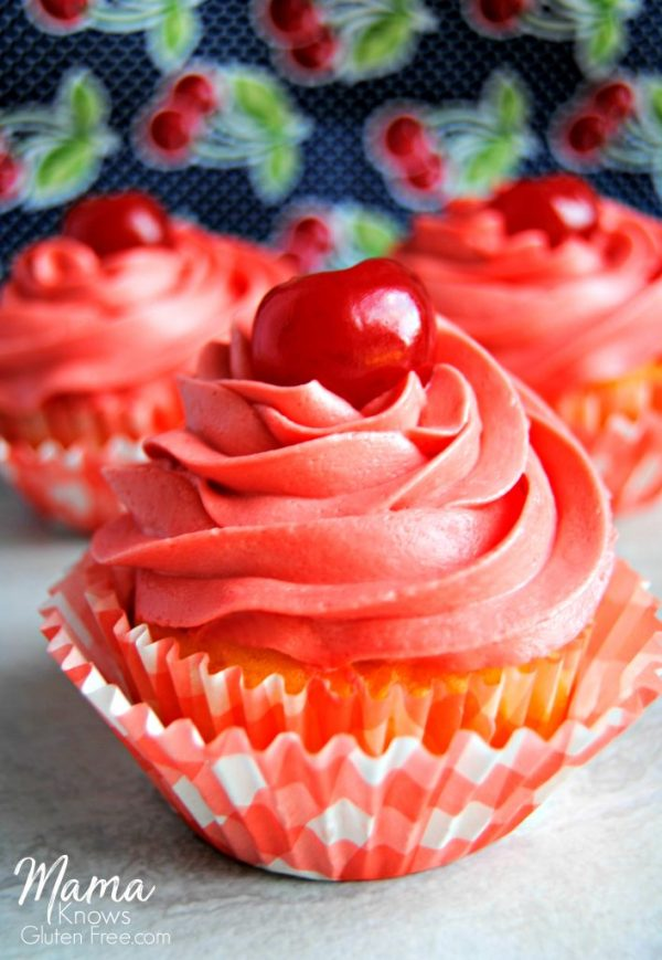 Gluten-free pineapple upside down cupcakes | mamaknowsglutenfree.com