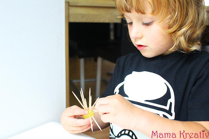 Bauen und Konstruieren mit Kindern Zahnstocher trauben figuren