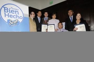 Premio – Bien Hecho – Awards