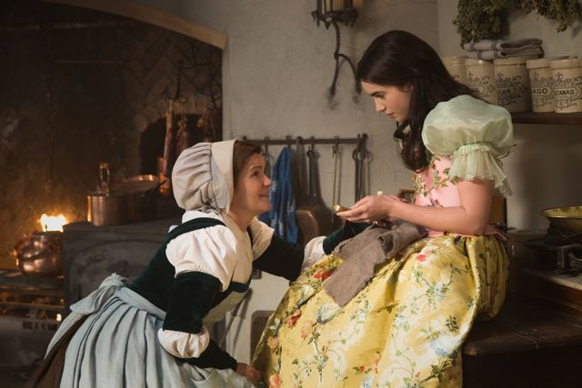 A Chat with Lily Collins, Snow White in Mirror Mirror