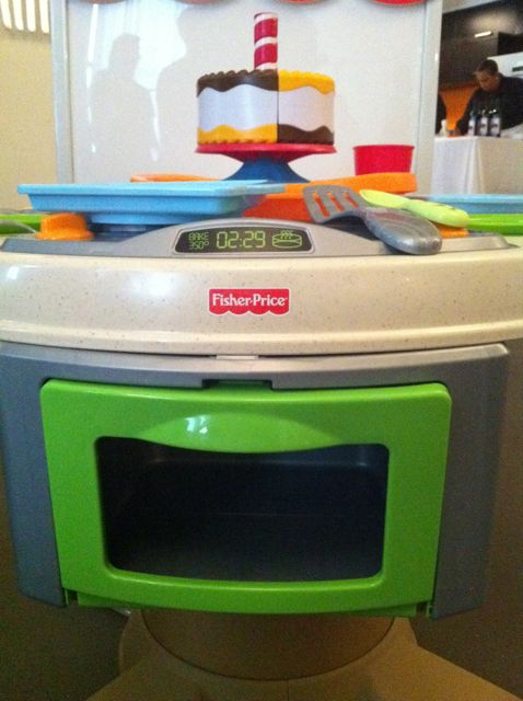 Servin' Surprises Kitchen & Table Giveaway #WatchItToWinIt Holiday Event