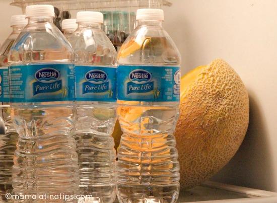 agua en refrigerador
