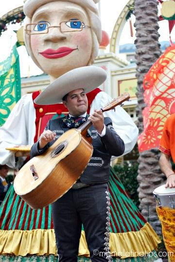 Disney ¡Viva Navidad! A Show with Mucho Corazón