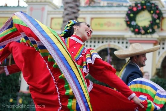 Vive la Navidad y el Día de Reyes en Disney California Adventure