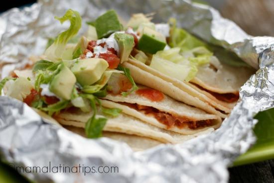Tacos mineros de frijoles charros machacados