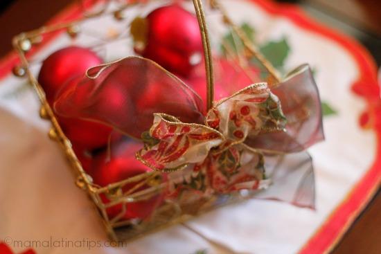 esferas navideñas rojas