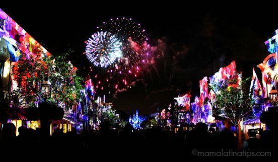 Fireworks Spectacular - Disneyland Forever - mamalatinatips.com