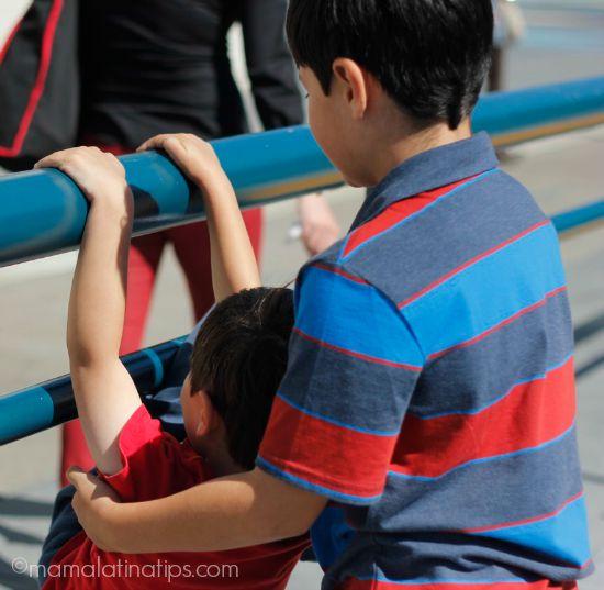 Kids playing by mamalatinatips.com